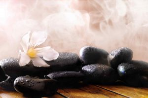 hot-stone-massage-panda-spa-da-nang