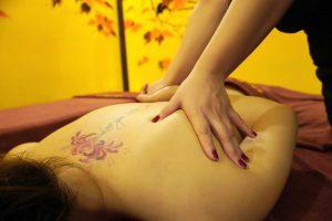 massage shiatsu phổ biến tại Nhật